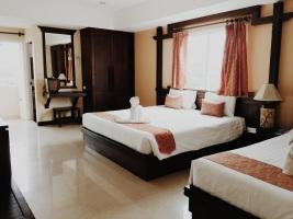 Thong Ta Room