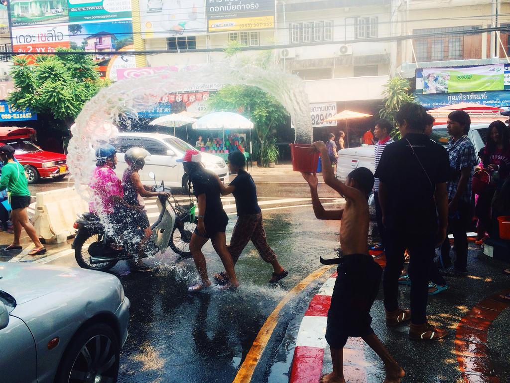 Songkran1