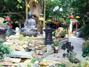 Van Nien Pagoda