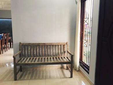 Entryway bench